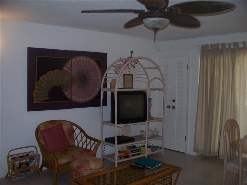 Fun Tropical Furnishings & High Quality Ceiling Fans