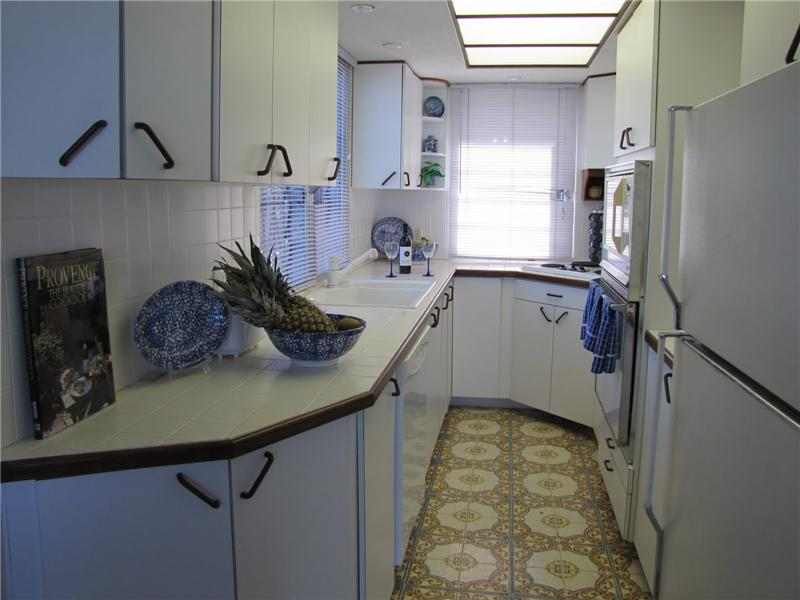Smartly Designed Galley Kitchen