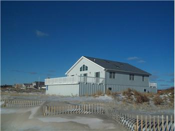 37c  dune rd, east quogue, NY