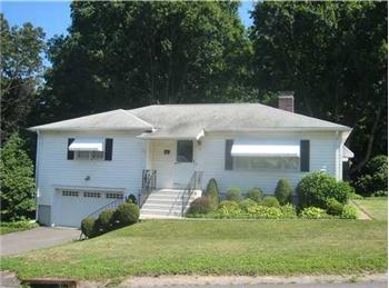 17 Juniper Ridge Drive, Waterbury, CT