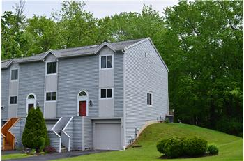 159 Iron Oak Cir , Liverpool, NY