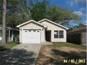 8432 Walnut Ave, Pensacola, FL