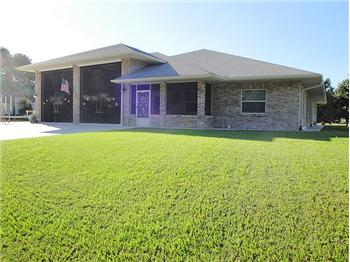 3205 Country Lake Dr, Sebring, FL