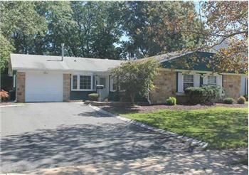 219 Deerfield Lane, Aberdeen, NJ
