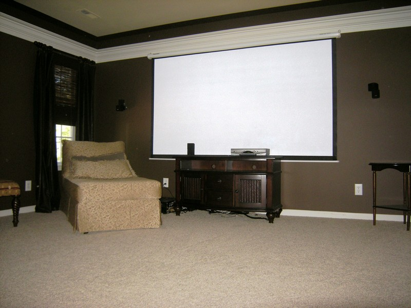 Media screen & surround sound included