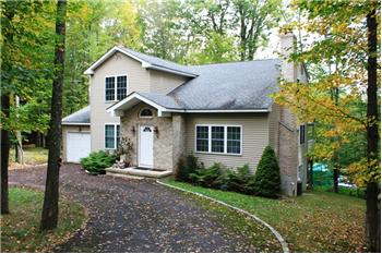 8 Hidden Valley  Ct WLE, Lake Ariel, PA