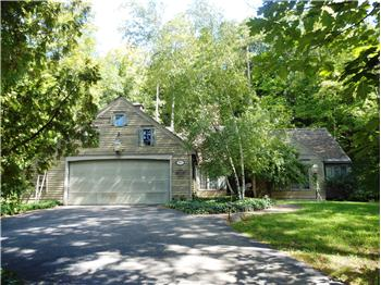 8854 Peninsula Dr., Traverse City, MI